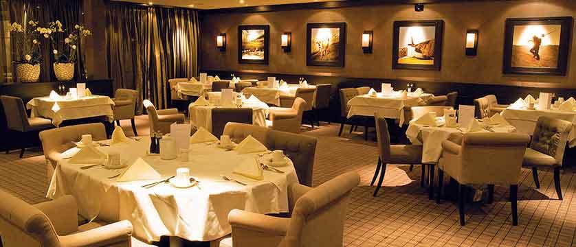 Hotel Grischa, Davos, Graubünden, Switzerland - dining room.jpg